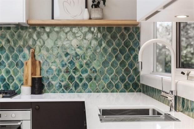 14 Stunning Kitchen Splashbacks to Bring Your Kitchen to Life